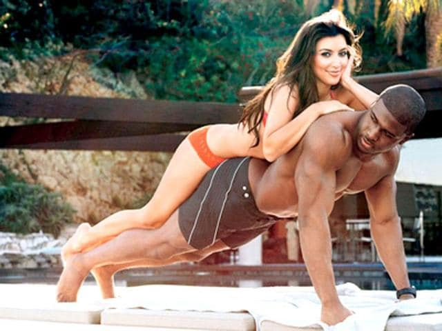 Kim-and-Kanye-romance-in-a-fun-photoshoot-pre-baby-bump