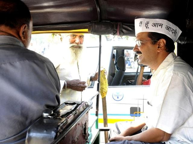 AAP-leader-Arvind-Kejriwal-takes-an-autorickshaw-ride-while-campaigning-in-New-Delhi-for-the-upcoming-Assembly-elections-HT-Photo-Sunil-Saxena