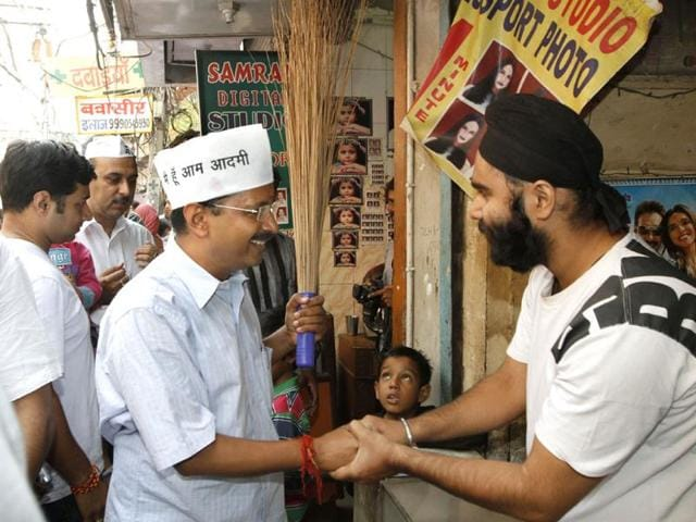 Aam-Aadmi-Party-leader-Arvind-Kejriwal-during-an-election-campaign-near-Jama-Masjid-in-old--Delhi-HT-Photo-Arvind-Yadav