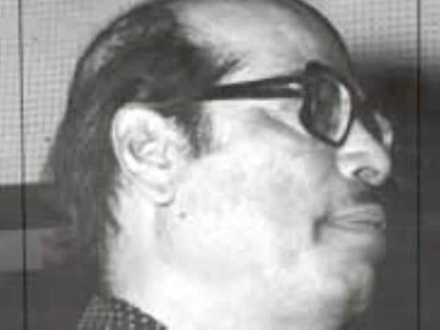 Manna Dey also assisted music composer Sachin Dev Burman in the early 50s and during this time sang Upar Gagan Vishal for Mashal.(HT Photo)