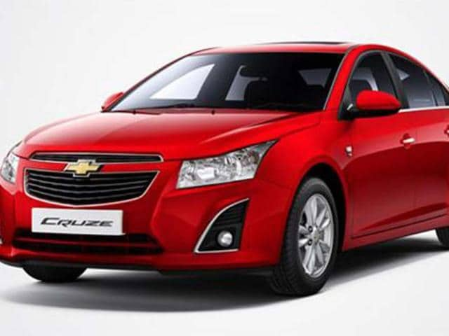 Chevrolet-Cruze-facelift-launched-at-Rs-13-75-lakh