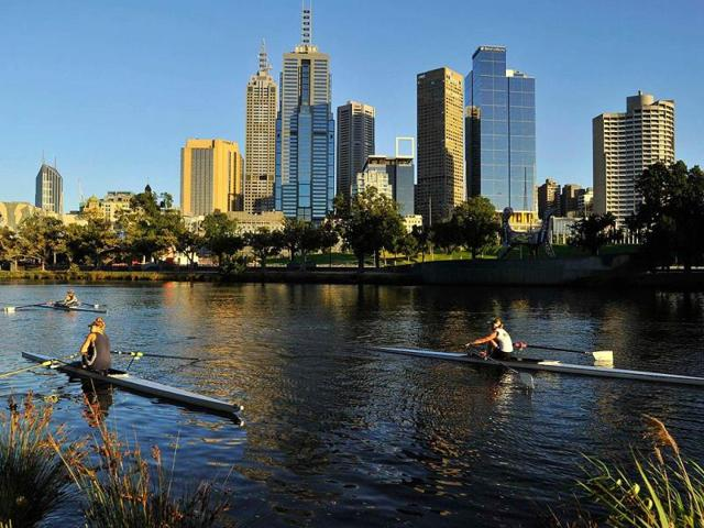 Rowers-train-at-dawn-on-the-Yarra-River-in-Melbourne-Credit-Reuters-Toby-Melville