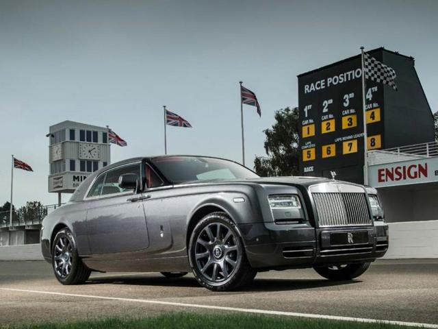 The-Rolls-Royce-Phantom-Coupe-Chicane-pictured-at-the-Goodwood-Motor-Circuit-Photo-AFP
