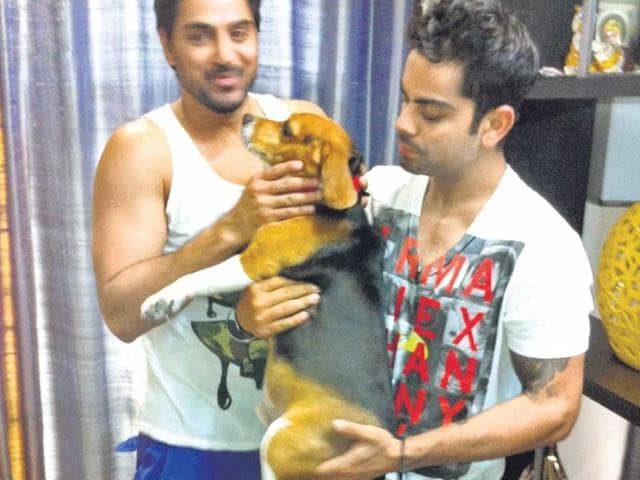 Virat-loves-to-spend-time-with-three-year-old-Beagle-Bruno-HT-Photo