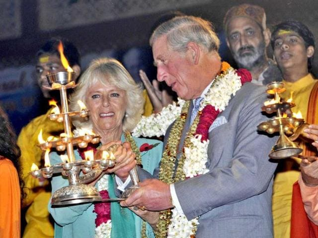 Prince-Charles-and-his-wife-Camilla-Parker-Bowles-offering-prayers-at-Parmarth-Niketan-on-the-bank-of-Ganga-in-Rishikesh-India-Photo-by-Rishi-Ballabh-Hindustan-Times