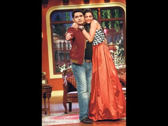It was time for laughs and hugs all around as Deepika Padukone and Ranveer Singh promoted their forthcoming film Ram-Leela on the show Comedy Nights with Kapil.
