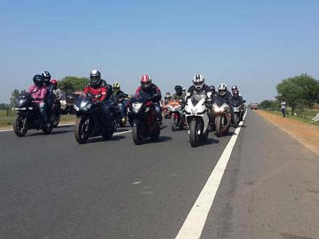 India-Bike-Week-kicks-off-Chai-amp-Pakoda-ride-in-Kolkata