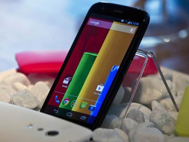 The-new-low-cost-smartphone-of-Motorola-Motorola-Moto-G-is-displayed-in-Sao-Paulo-Brazil-Photo-AFP-Nelson-Almeida
