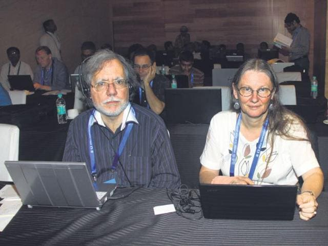 Ian-and-Cathy-Rogers-at-the-media-room-of-the-world-chess-championship-match-on-Friday-HT-Photo