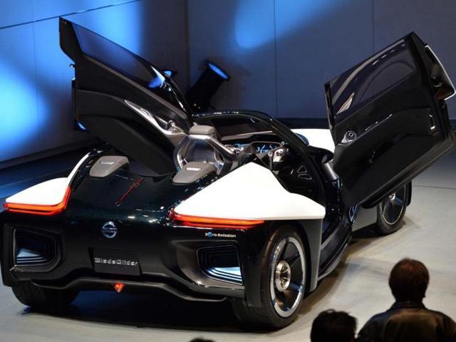 Tokyo Motor Show,Japanese firms showcase green vehicles,Japan auto environment-energy