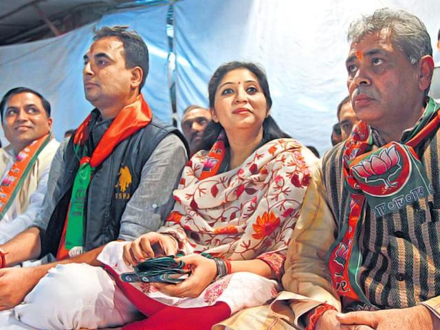 Nakul-Bhardwaj-left-with-his-wife-Deepti-at-a-public-meeting-in-Mayur-Vihar-Deepti-has-been-mobilising-women-voters-in-his-support-Vijendra-Singh-Gosain-HT-Photo