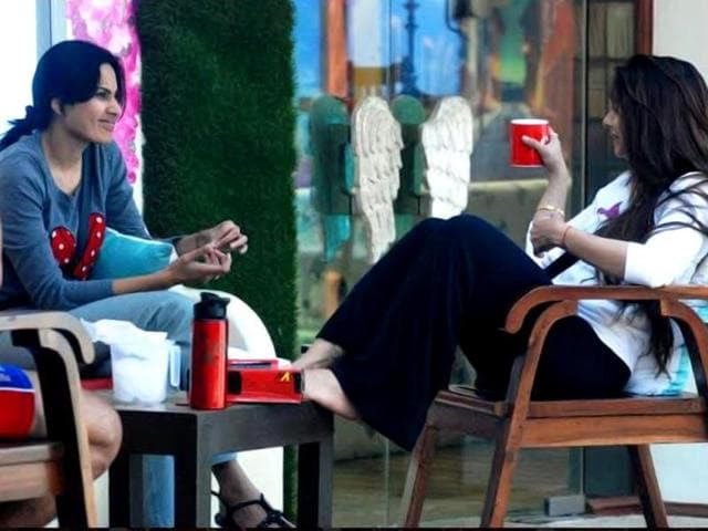 Kamya and Tanisha discuss the politics inside the Bigg Boss 7 house.