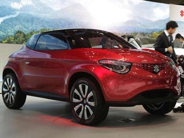 Suzuki-showcases-Crosshiker-compact-crossover-concept