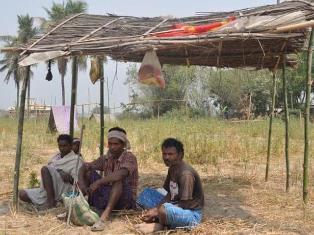 Middlemen duping tribals with hopes of compensation