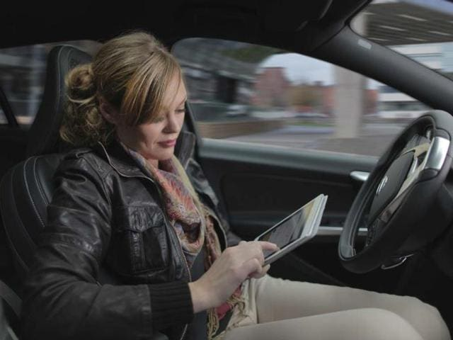 Volvo-Car-Group-initiates-pilot-project-with-self-driving-cars-Photo-AFP