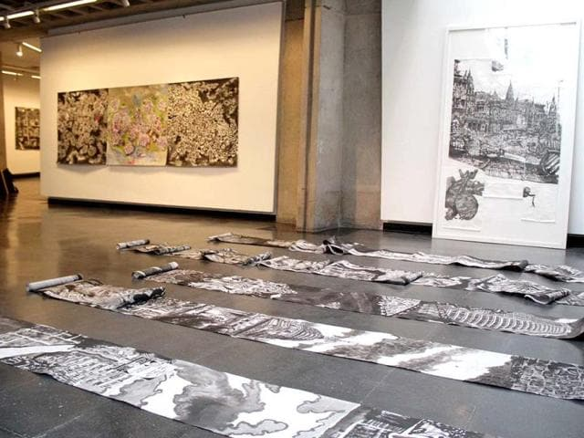 His drawings are Ink on Japanese rice paper scrolls 45 centimetres wide and sometimes up to 25 metres long which he unwinds as the progression of the drawing goes along, composing in a near-spontaneous way.