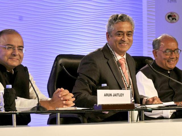 Congress-leader-Digvijaya-Singh-and-Bharatiya-Janta-Party-leader-Arun-Jaitley-at-a-session-A-Vision-for-India-chaired-by-Rajdeep-Sardesai-during-the-Hindustan-Times-Leadership-Summit-in-New-Delhi-Mohd-Zakir-HT