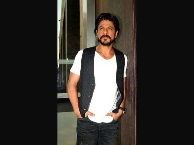 Shah Rukh Khan,Happy New Year,Twitter