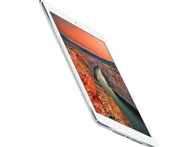 Apple replaces iPad 2 with iPad 4, launches cheaper iPhone 5C
