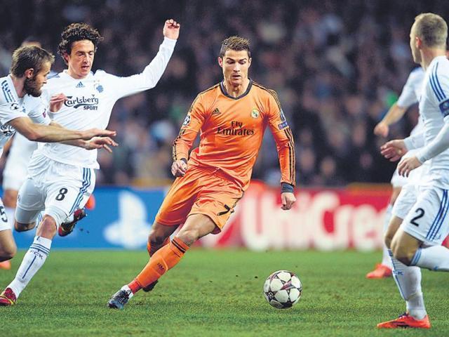 Lionel Messi,Cristiano Ronaldo,Nike