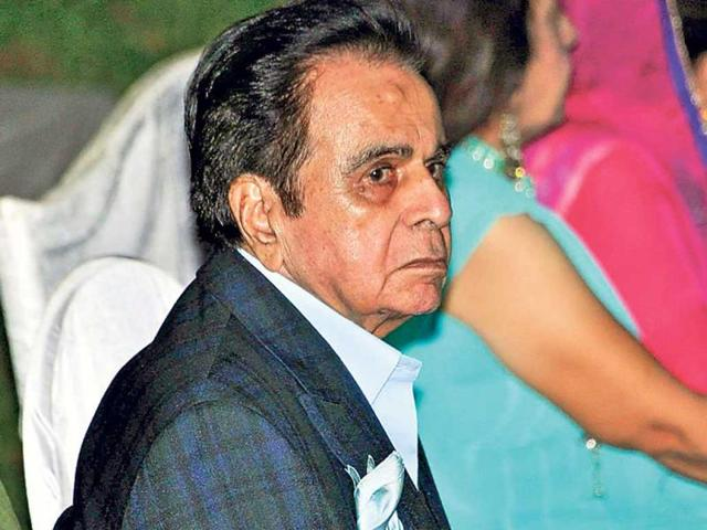 Old-timers-from-the-Hindi-film-fraternity-came-together-to-celebrate-the-birthday-of-veteran-actor-Dilip-Kumar-who-turned-91-on-December-11-The-party-was-hosted-by-his-wife-Saira-Banu-at-their-Pali-Hill-residence
