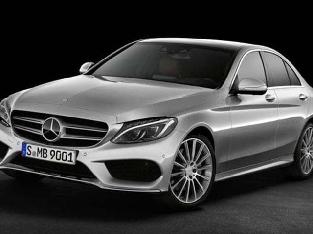 Mercedes-shows-the-new-C-class