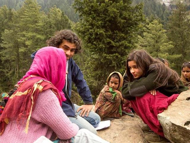 Director Imtiaz Ali and actress Alia Bhatt on the sets of Highway.