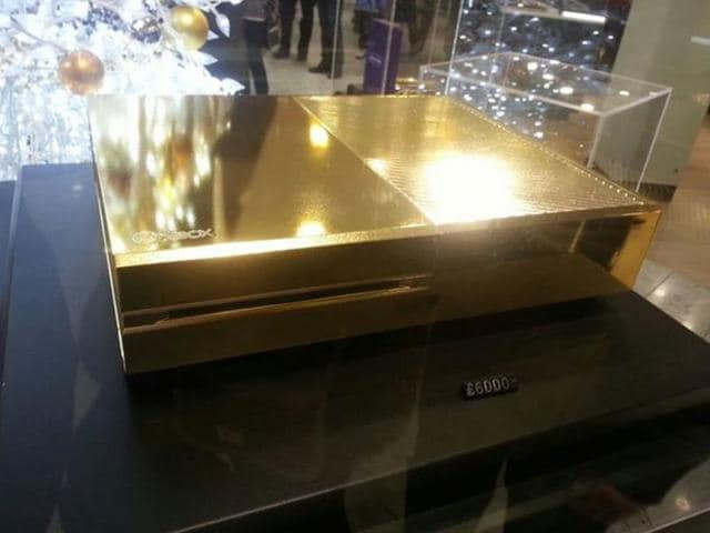 A-gold-plated-Xbox-One-seen-in-Harrod-s-London-Photo-AFP-Imgur-LLC