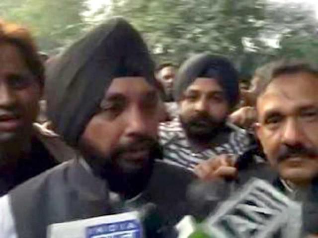AAP not serious about passing bills, running govt, alleges Congress