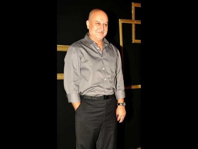 Anupam Kher,Salman Khan,Suresh Kalmadi