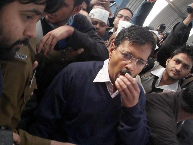 'Yo Kejriwal So Honest' hashtag goes viral, beat Alok Nath jokes on Twitter