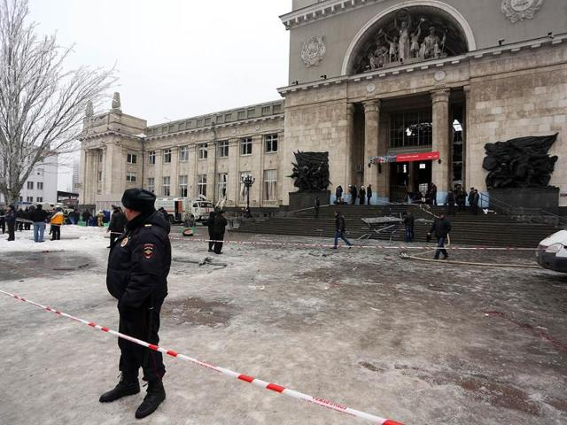Russian-security-forces-stand-guard-outside-a-train-station-following-a-suicide-attack-in-the-Volga-River-city-of-Volgograd-AFP-Photo