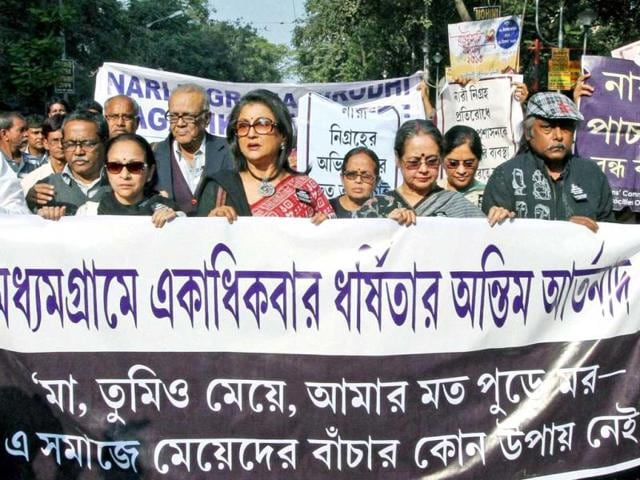 Eminent-film-director-Aparna-Sen-painter-Samir-Aich-and-intellectuals-take-part-in-a-protest-rally-against-rape-of-a-16-year-old-girl-in-Kolkata-PTI-Photo