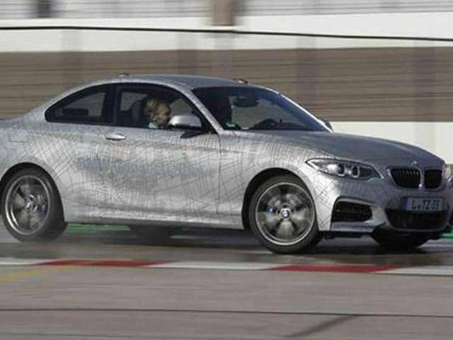 BMW-shows-world-s-first-self-drifting-car