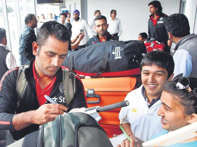 Dhoni guarded as India arrive in New Zealand