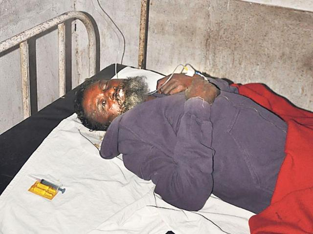 Cops-failed-in-identifying-a-dead-person-from-a-living-one-and-sent-a-60-year-old-unknown-male-for-postmortem-HT-photo