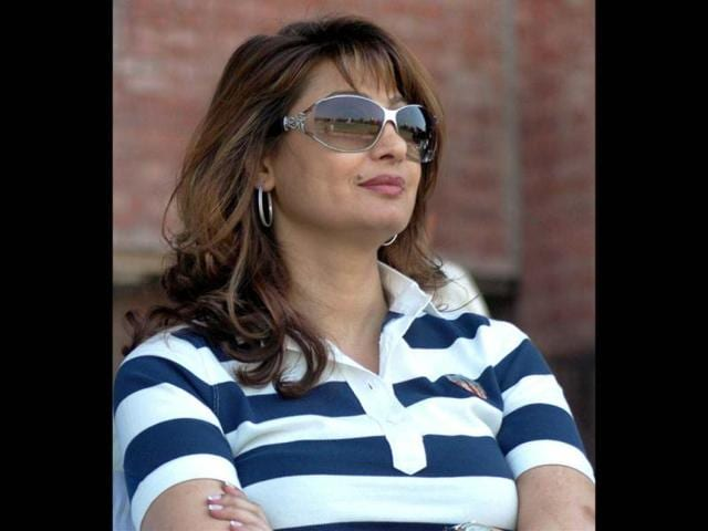 File-photo-Union-minister-Shashi-Tharoor-s-businesswoman-wife-Sunanda-Pushkar-PTI
