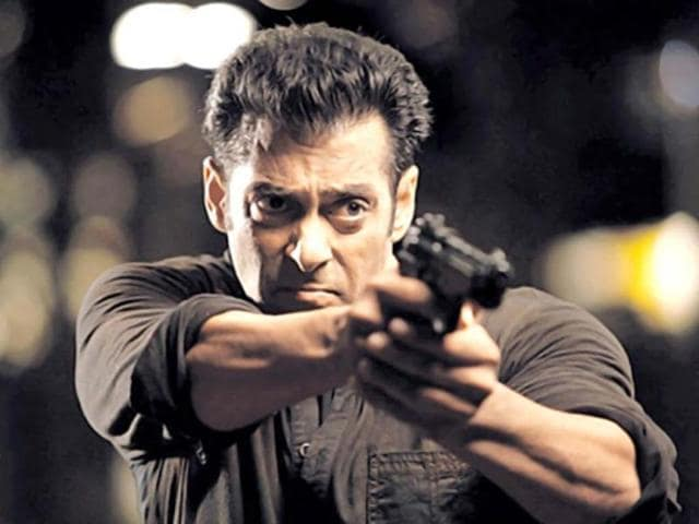 Salman Khan plays Jai Agnihotri who stands up for the cause of common man.