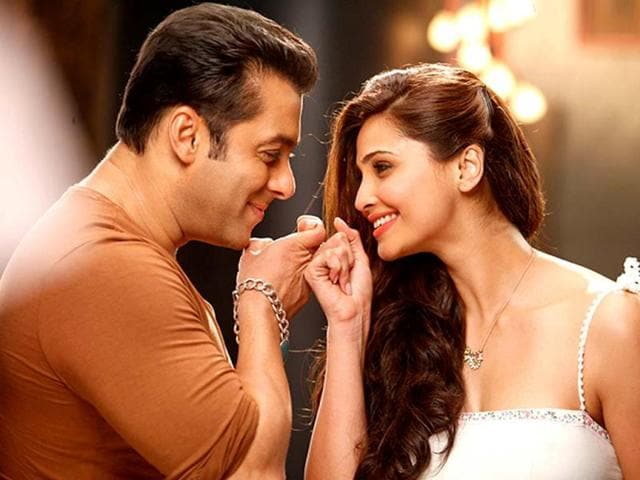 Salman Khan and Daisy Shah in an intimate moment from the film Jai Ho. Check out more stills.