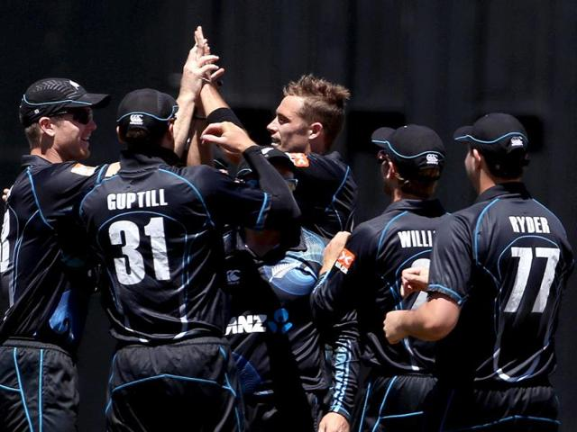 New Zealand celebrate the wicket of Virat Kohli during the fourth ODI against India at Seddon Park in Hamilton. (AFP Photo)
