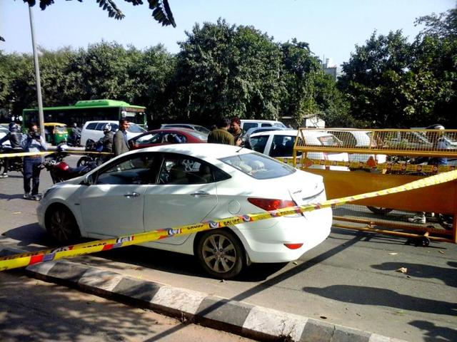 Rs-8-crore-was-looted-from-a-car-in-broad-daylight-in-Lajpat-Nagar-area-in-New-Delhi-Raj-K-raj-HT-photo