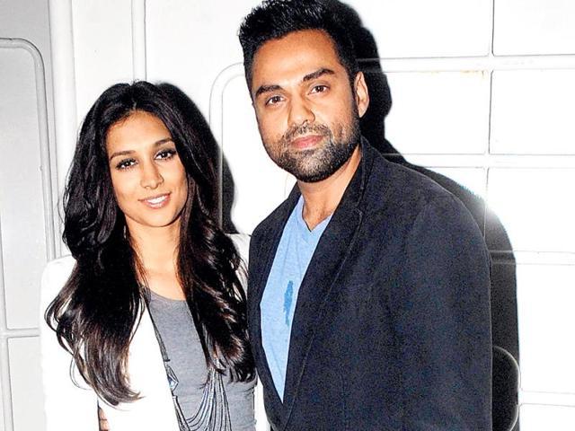 Abhay-Deol-with-girlfriend-Preeti-Desai-Photo-Prodip-Guha