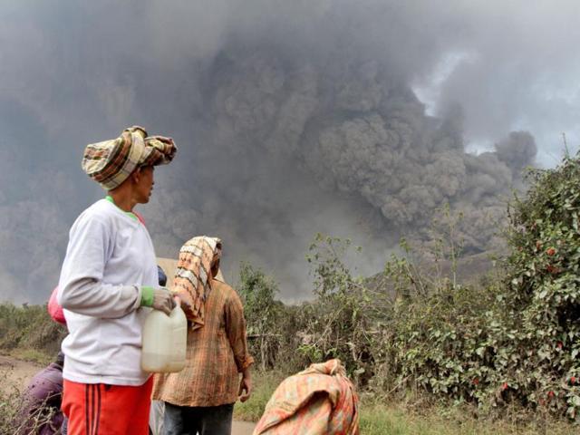 School children among 11 killed by Indonesia volcano eruption