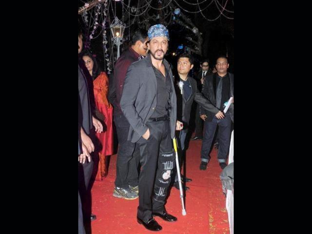 Shah-Rukh-Khan-at-Hema-Malini-and-Dharmendra-s-younger-daughter-Ahana-Deol-and-Vaibhav-Vora-s-wedding-ceremony-PTI-Photo