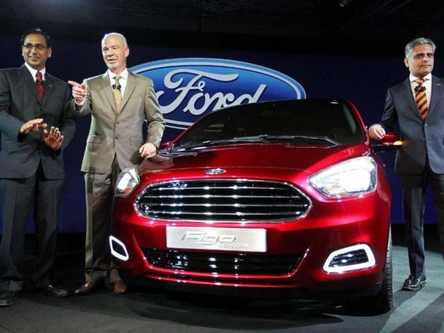 Ford-India-President-Nigel-Harris-C-and-Vice-President-Engineering-Kumar-Galhotra-R-at-the-unveiling-of-the-Ford-Figo-Concept-car-in-New-Delhi-on-Monday-Photo-PTI