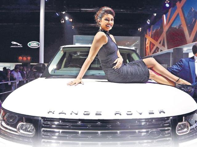 Models at Auto Expo prepare to face 'harrowing crowds'