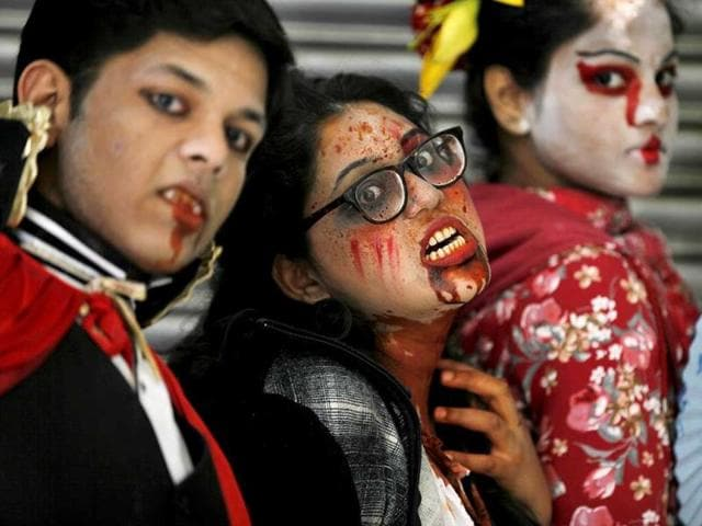 Gore always works! Some will try to scare you at the Comic Con 2014 (Raj K Raj)