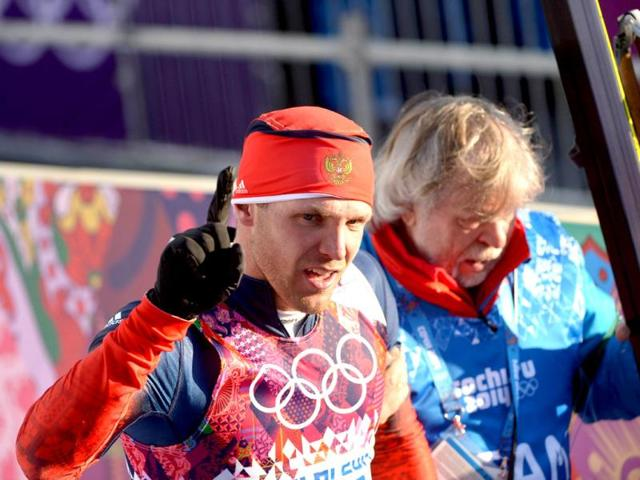 Canadian hailed for helping Russian skier finish at Sochi Olympics