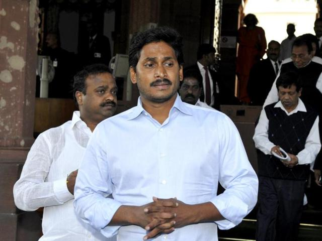 YSR Congress president YS Jaganmohan Reddy addresses the press after the bill for separate Telangana state was passed in Lok Sabha at Parliament house. (HT photo/Sonu Mehta)