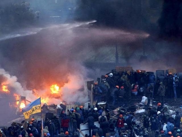 Protesters-clash-at-Independence-Square-in-Kiev-Ukraine-Reuters